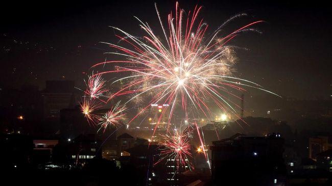Kerajaan Tonga adalah negara pertama yang merayakan malam pergantian tahun di dunia, menurut waktu Greenwich.