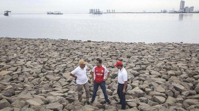 Gubernur DKI Anies Baswedan saat ini menunggu salinan putusan dari PTUN sebelum menempuh banding agar proyek reklamasi pulau H tetap disetop.