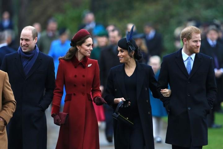 <p>Penuh khidmat, Kate Middleton dan keluarga kerajaan lainnya merayakan Natal bersama. (Foto: Stephen Pond/Getty Images)</p>