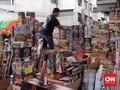 Buka saat PSBB, Pedagang Pasar Pagi Tambora Ditertibkan