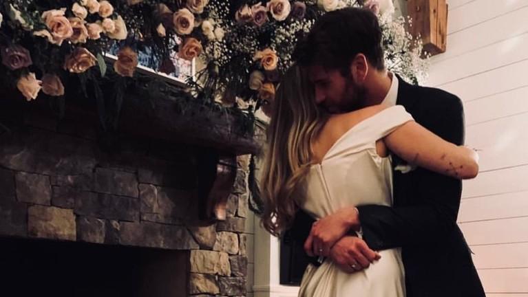 Pernikahan keduanya dilaksanakan secara tertutup dan tidak banyak media yang mengetahui kabar diadakannya acara pernikahan Liam dan Miley.