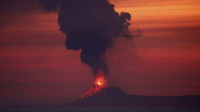 BMKG dan PVMBG dinilai gagal memberikan peringatan tentang bahaya Gunung Anak Krakatau dan tsunami di Selat Sunda.