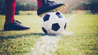 Kemenpora Dorong Anak Berlatih Teknik Dasar Sepak Bola