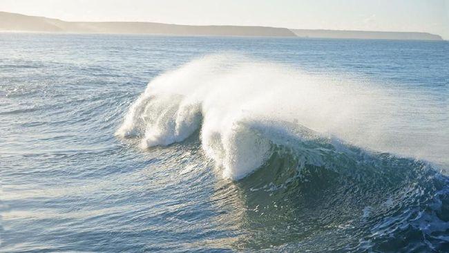 Nama-nama samudra kini ada lima, yakni Arktik, Atlantik, Pasifik, Hindia, serta yang terbaru Selatan.