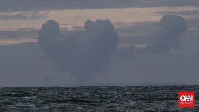 Berdasarkan hasil analisis visual Badan Geologi, terkonfirmasi bahwa Gunung Anak Krakatau yang tingginya semula 338 meter hanya tinggal 110 meter