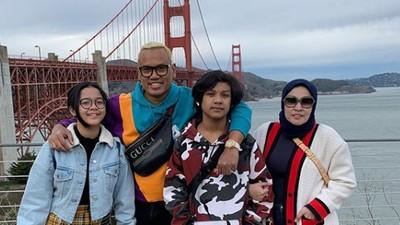 Keseruan Uya Kuya, Boyong Keluarga Liburan Akhir Tahun ke Amerika