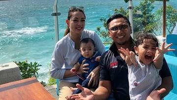 Mengintip Keseruan Liburan Keluarga Reisa Brotoasmoro di Bali