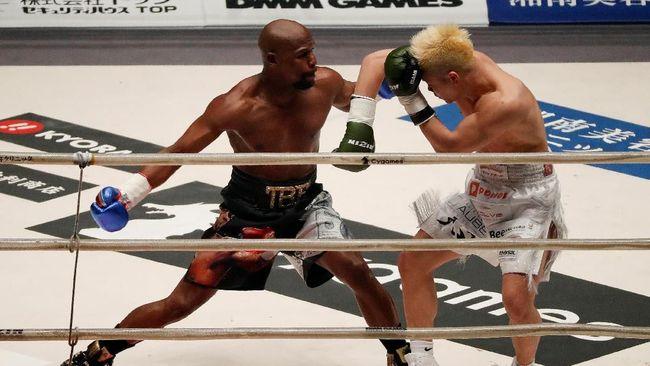 Bolak-balik dari masa pensiun membuat Floyd Mayweather Jr. seakan-akan hanya ingin main-main di atas ring tinju.