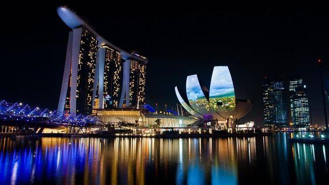 Singapura dan Hong Kong disebut memiliki biaya hidup yang lebih mahal 7 persen dibandingkan New York.
