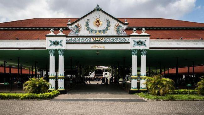 UU Keistimewaan DIY digugat ke MK. Kepemilikan lahan di Yogyakarta oleh etnis Tionghoa dikuasai orang-orang berpunya.