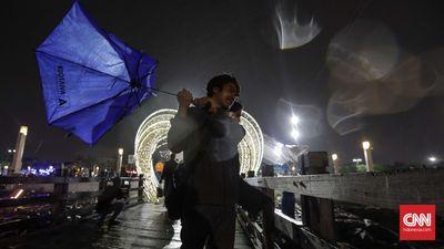 Oops, Waspada HujanAngin Kencang di Sumatera Hingga Papua