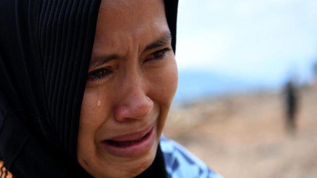 Ahli Biologi dan Molekuler Ines Atmosukarto menyatakan alasan penularan Covid-19 terjadi lewat air mata sangat kecil.