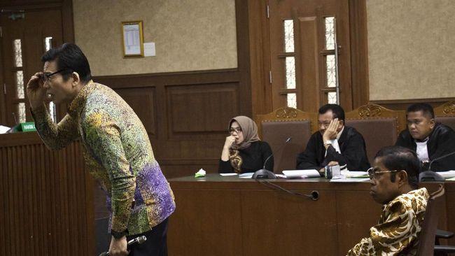 KPK memperpanjang masa pencegahan ke luar negeri untuk bos PT Borneo Lumbung Energy & Metal Samin Tan terkait kasus suap kontrak batubara.