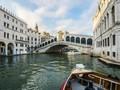 Khawatir Tenggelam, Jumlah Penumpang Gondola Venesia Dibatasi