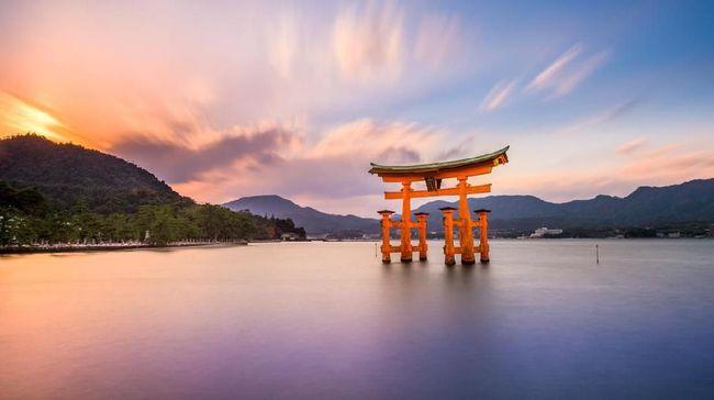 Jepang mempromosikan tradisi berendam air panas untuk menyambut wisatawan dan atlet Olimpiade 2020.