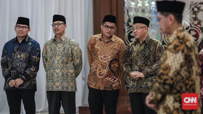 Komite Nasional Keuangan Syariah menilai rancangan UU Koperasi perlu mengakomodasi keberadaan aktivitas koperasi syariah di Indonesia.
