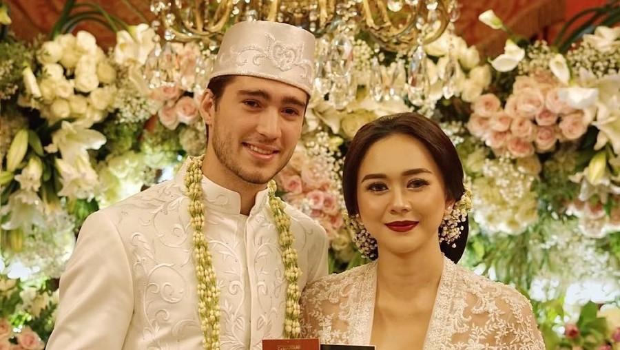 Aura Kasih Ungkap Alasan Nikah Diam-diam dengan Eryck Amaral