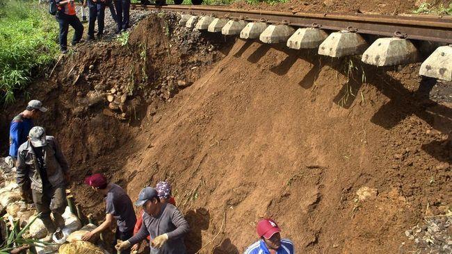 BPBD DKI menyatakan telah siap menghadapi musim hujan tahun ini. Logistik untuk pengungsi juga sudah disiapkan.