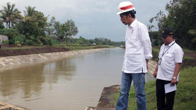 Jokowi Minta Edukasi Bencana Masuk Sistem Pendidikan