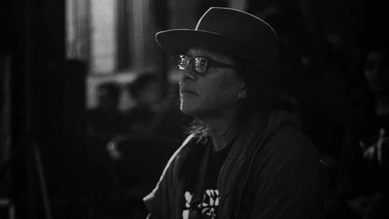 Aktor lintas generasi, Torro Margens, menghembuskan napas terakhir pada Jumat (4/1) dini hari. Para insan film Tanah Air pun turut mengucapkan duka mendalamnya.