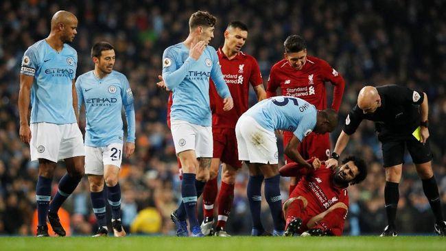 Kapten Manchester City Vincent Kompany dituduh menghina winger Liverpool Mohamed Salah dengan sebutan 'banci' dalam pertandingan Liga Primer Inggris.