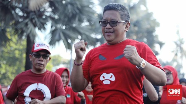Sekjen PDIP Hasto Kristiyanto merasa ironis ketika kubu Prabowo Subianto-Sandiaga Uno berbeda sikap soal hitung cepat hasil Pilpres 2019.