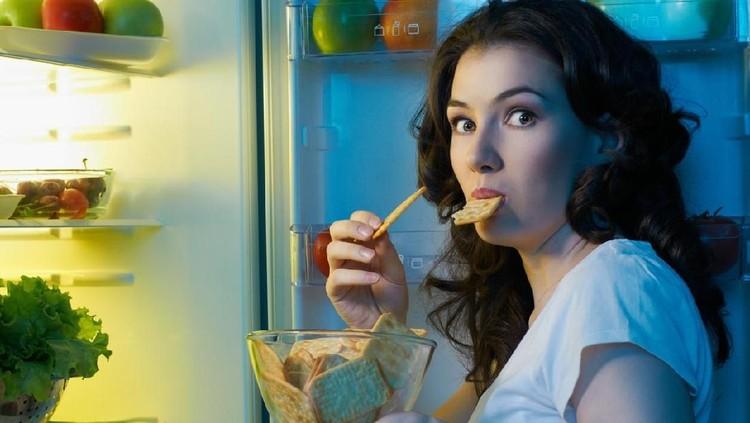 Jika Bunda atau anggota keluarga lain sudah terlanjur mengidap emotional eating, segera lakukan penanganan ini.