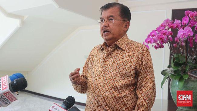 Wakil Presiden Jusuf Kalla menyebut keputusan menaikkan harga BBM adalah kebijakan paling sulit yang pernah dilakukan sepanjang menjabat sebagai wakil presiden.