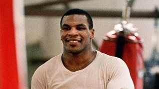 Tak Peduli Aturan, Tyson Bakal Pukul KO Roy Jones