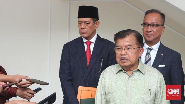 Jusuf Kalla tak menampik tudingan Prabowo soal kebocoran anggaran pemerintah. Menurut dia, kebocoran ini menyusul sejumlah penangkapan aparat terkait korupsi.