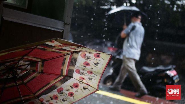 Selain DKI Jakarta, BMKG menyebut ada enam wilayah lain yang akan mengalami hujan lebat yakni Bengkulu, Sumsel, Banten, Jabar, Jateng dan Jatim.