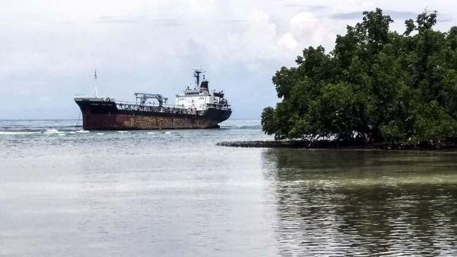Lokasi kandasnya kapal tanker Ocean Princess merupakan zona pemanfaatan pariwisata kawasan konservasi Suaka Alam Perairan (SAP) Selat Pantar.