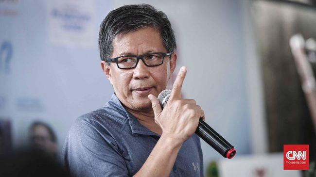 Pengamat politik Rocky Gerung menilai Pilkada Medan menyebut Medan merupakan pertaruhan antara hidup dengan demokrasi atau nepotisme.