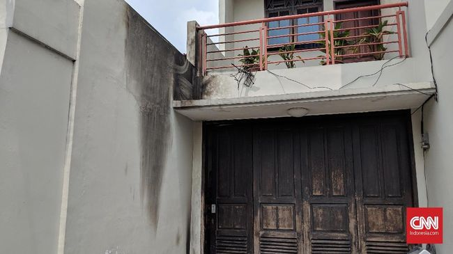 Wakil Ketua KPK Laode mengaku sudah mendengar suara mencurigakan pada Rabu (9/1) dini hari, namun keberadaan bom molotov baru diketahui pada pagi harinya.