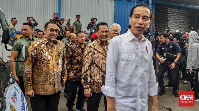 Kepada para warga Depok penerima PKH dan BNPT, Presiden Jokowi meminta dan bantuan tersebut betul-betul digunakan untuk pendidikan dan meningkatkan gizi anak.