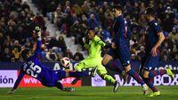 Messi-suarez Absen, Barcelona Tumbang