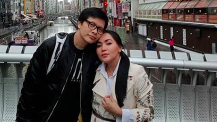 <p>Kemesraan pasangan Dewi Gita dan<a href=