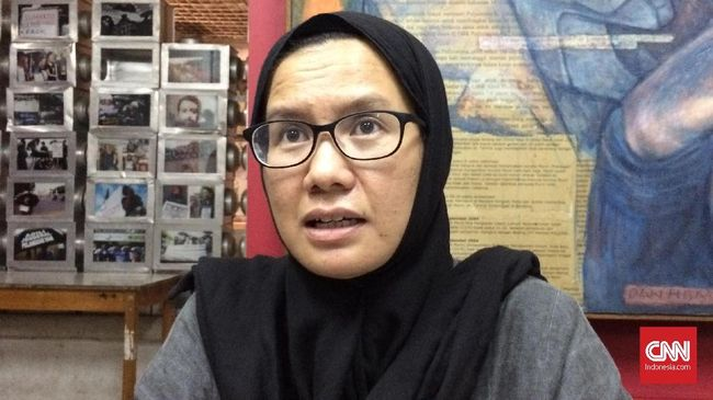 KontraS mengkritik rencana Prabowo-Sandiaga mengungkit kasus Novel dalam debat capres dengan menyebutnya sekadar upaya mendulang suara.