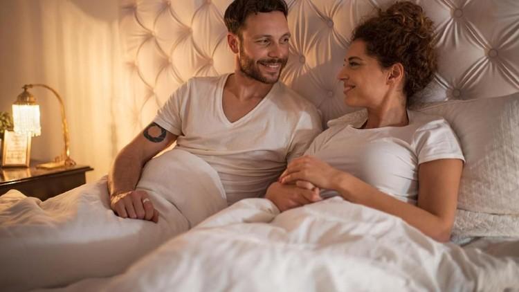 Benar enggak sih, durasi bercinta memengaruhi terjadinya kehamilan? Begini penjelasan dari ahlinya, Bun.