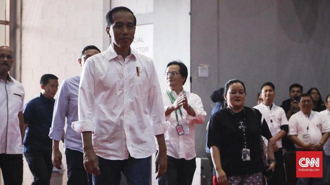 Presiden Jokowi menyatakan izin investasi online terintegrasi (OSS) masih sulit terhubung dengan sistem di 34 provinsi dan 514 kabupaten kota.