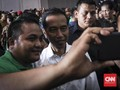 Penusukan Wiranto Tak Ganggu Aktivitas Selfie Jokowi