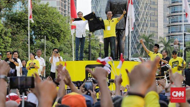Bawaslu masih melakukan pendalaman dan pengumpulan keterangan terkait kehadiran Jokowi pada 'Deklarasi Alumni UI for Jokowi', sebagai undangan atau inisiator.