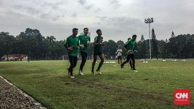 Sejumlah pemain Timnas Indonesia U-22 berusaha netral membahas soal debat capres 2019 putaran pertama antara paslon Jokowi-Ma'ruf dan Prabowo-Sandi.