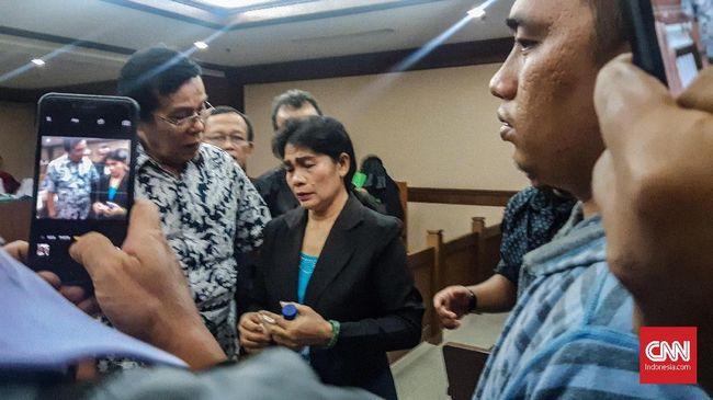 Hakim ad hoc PN Medan Merry dan tim kuasa hukumnya mengajukan eksepsi atas dakwaan menerima uang sebanyak Sin$150 ribu pada Senin (21/1) mendatang.