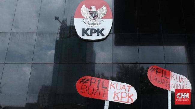Dua Sisi Intervensi Jokowi soal Nasib 75 Pegawai KPK