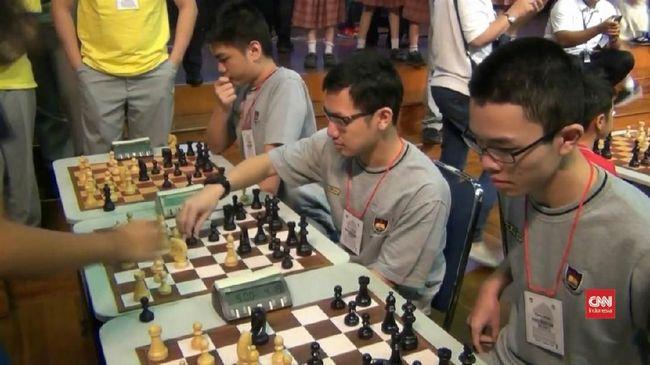 Akun pemain catur Indonesia Dadang Subur alias Dewa_Kipas populer di Twitter usai kalahkan gamer catur online di Chess.com, Gothham Chess.