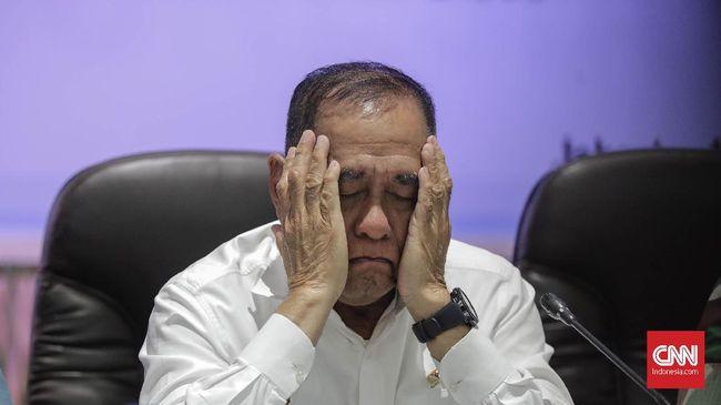 Menteri Pertahanan Ryamizard Ryacudu menyesalkan dugaan keterlibatan purnawirawan TNI di Aksi 22 Mei. Dia berharap tak ada lagi perpecahan bangsa Indonesia.