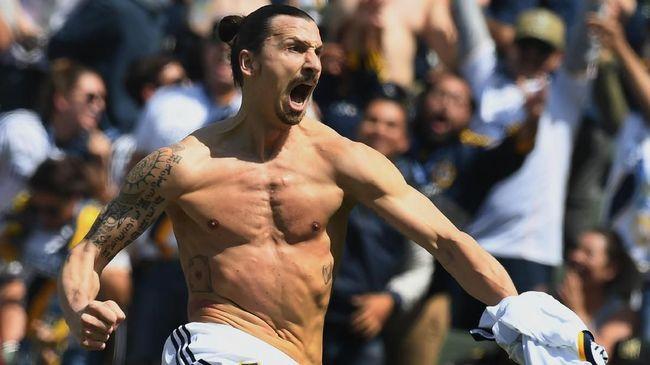 Zlatan Ibrahimovic mendapat kehormatan berupa kehadiran patung dirinya di Malmo, Swedia.
