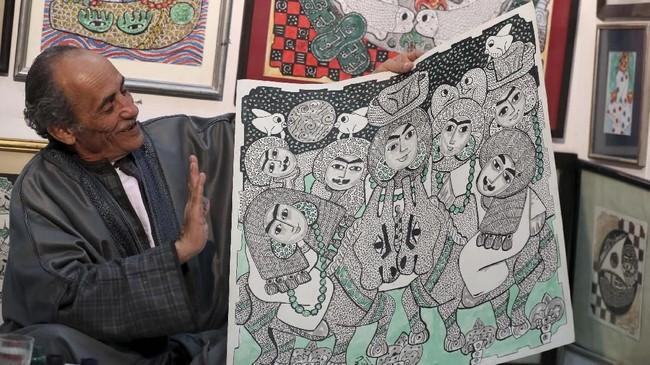 Seniman Hassan el-Shark mendapatkan banyak pujian berkat karyanya yang menjaga seni lukis tradisional Mesir dan menggunakan bahan-bahan dari alam.