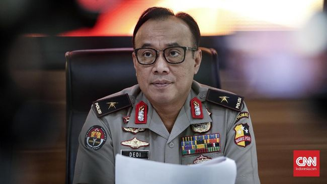 Proses hukum ini terkait dengan tindakan Ulin Yusron yang menyebarkan data pribadi terduga pelaku yang mengancam bakal memenggal kepala Presiden Joko Widodo.